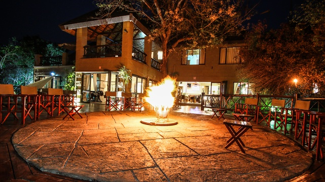 Boma Fire At Grand Kruger Lodge